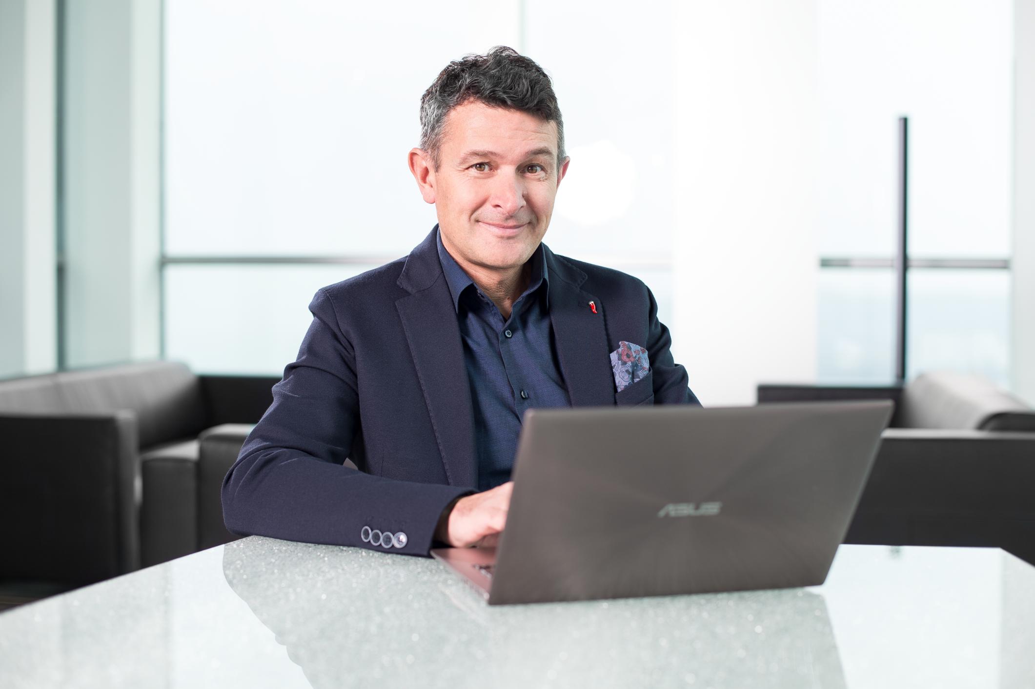Rozhovor s Piotrem Grelou nejenom o DiNapoliho obchodních metodách